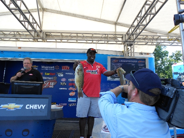 Tommy Robinson on FLW Open weigh in stage two smallmouth bass on video