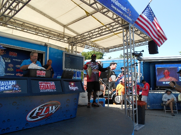 Tommy Robinson on FLW Open weigh in stage two smallmouth bass